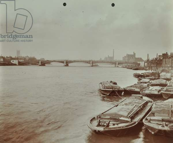 Vauxhall New Bridge: view from upstream after its completion. Barges, River Thames, 1907 (b/w photo)