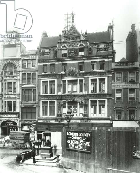 Coach and Horses, 327-329 Strand, Westminster LB: front elevations, 1901 (b/w photo)