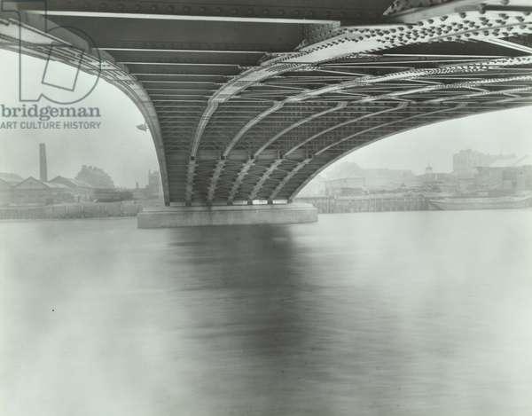 Wandsworth Bridge: view from river, 1941 (b/w photo)
