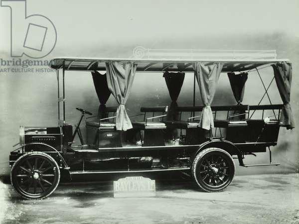 Motorised charabanc coach, 1907 (b/w photo)