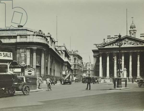 Royal Exchange, Threadneedle Street, City of London, 1925 (b/w photo)