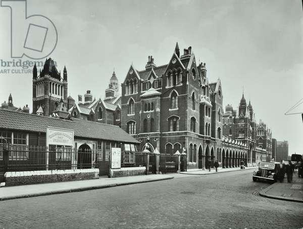 Columbia Road Day Nursery, Columbia Road, Bethnal Green, 1946 (b/w photo)