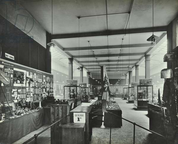 Whitechapel Art Gallery: exhibition of artwork by school students, 1913 (b/w photo)