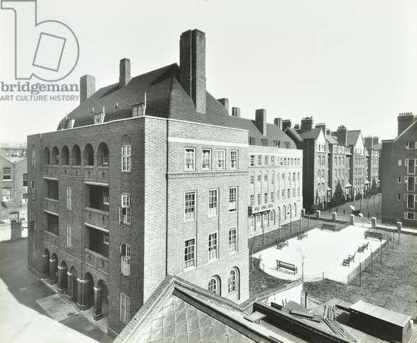 Wedmore Estate: side entrance, Wessex Buildings, London, 1934 (b/w photo)