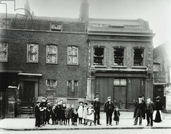 Bermondsey New Road: general view, London, 1900 (b/w photo)