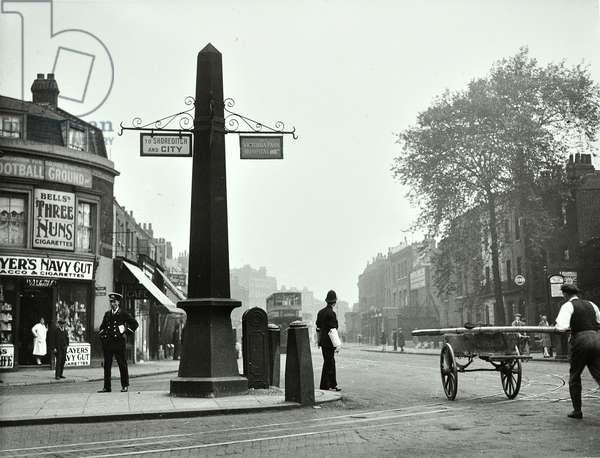 Cambridge Heath Road, Bethnal Green, 1930 (b/w photo)