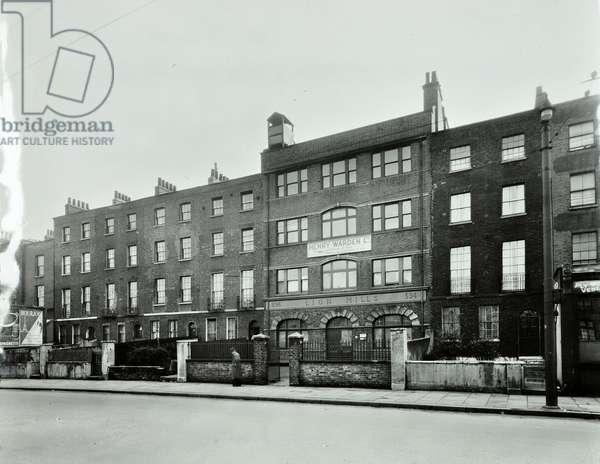 392-404 Hackney Road, Bethnal Green, 1948 (b/w photo)