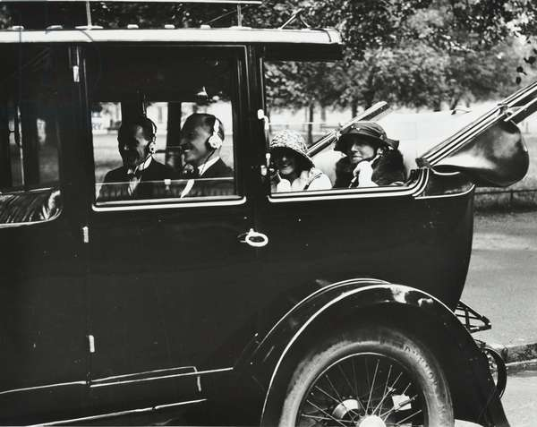 Early car radio being demonstrated, 1923 (b/w photo)