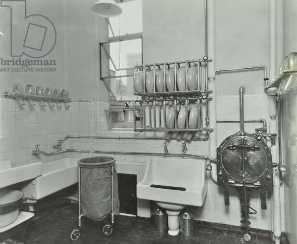 Lewisham Hospital: sterilising room, 1934 (b/w photo)