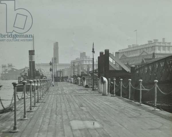 Greenwich Pier: floating gangway, 1937 (b/w photo)