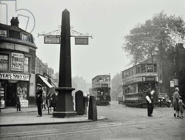 Cambridge Heath Road, 1930 (b/w photo)