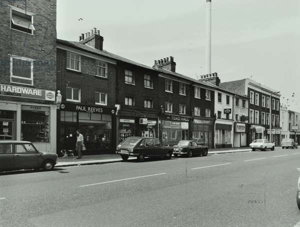 46-68 Battersea Bridge Road, London, 1977 (b/w photo)