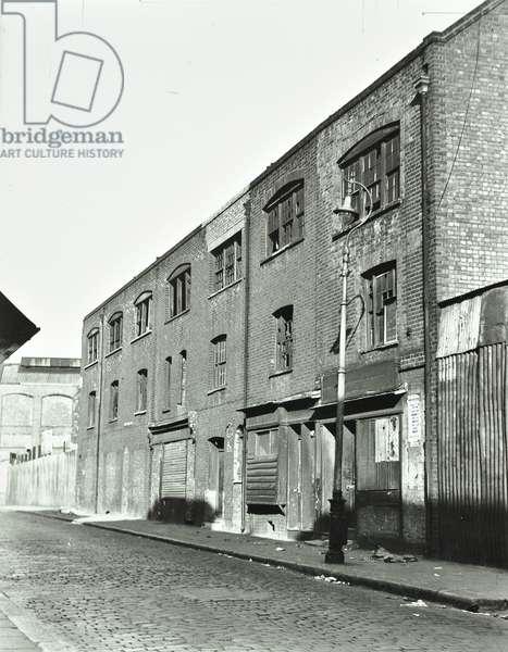 Hare Street, Bethnal Green, 1930 (b/w photo)