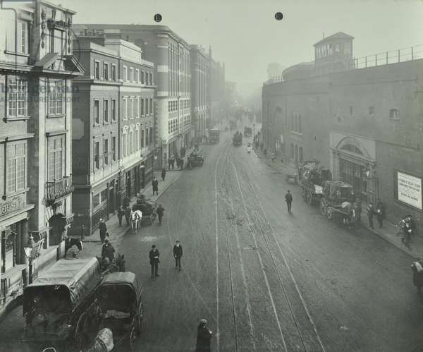 Tooley Street with horses and carts, London, 1914 (b/w photo)