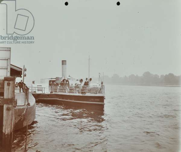 London County Council Steamboat: passengers aboard the 'Earl Godwin', 1907 (b/w photo)