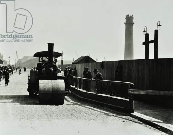 Steam roller being used to test the structure of Waterloo Bridge, 1925 (b/w photo)
