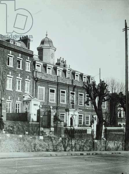 Cromwell House, Highgate Hill, c.1930 (b/w photo)
