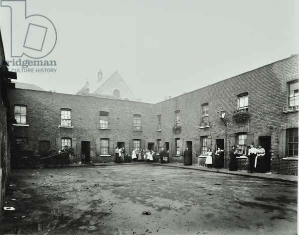 22-25 Goulston's Buildings: front elevations, London, 1914 (b/w photo)