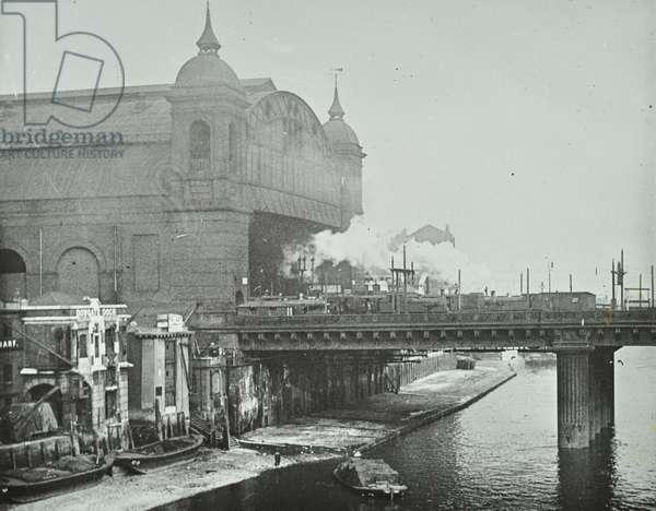 Cannon Street Railway Station: view from Southwark Bridge, 1918 (b/w photo)