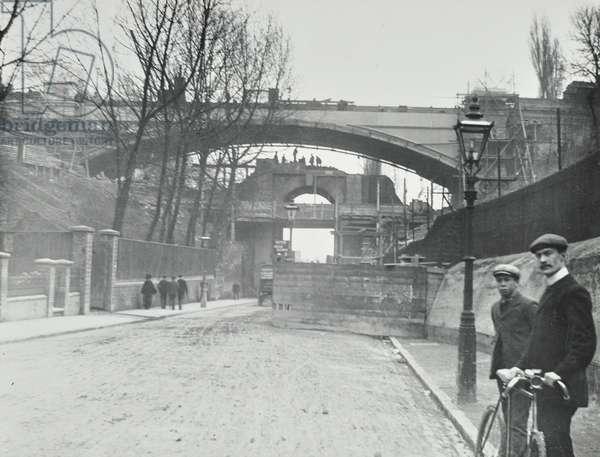 Highgate Archway: demolition of Old Highgate Archway, 1900 (b/w photo)