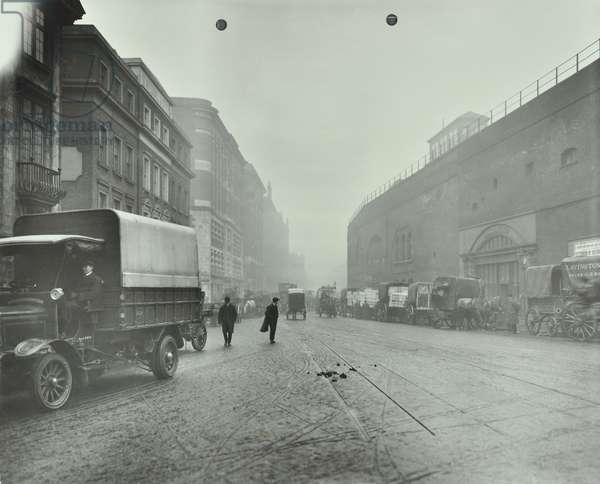 Tooley Street: looking east by London Bridge Station, London, 1915 (b/w photo)