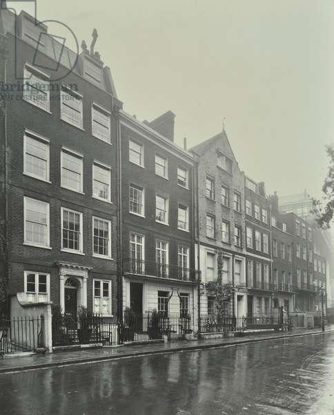 29-34 Kensington Square, 1931 (b/w photo)