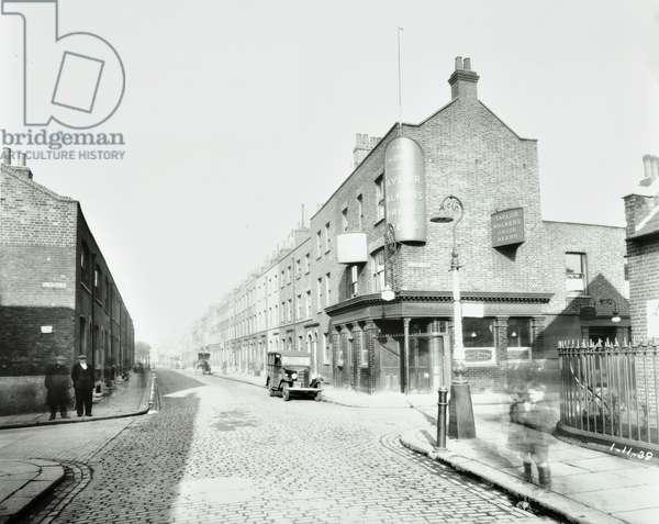 The Hope, Pollard Row, Bethnal Green, 1938 (b/w photo)