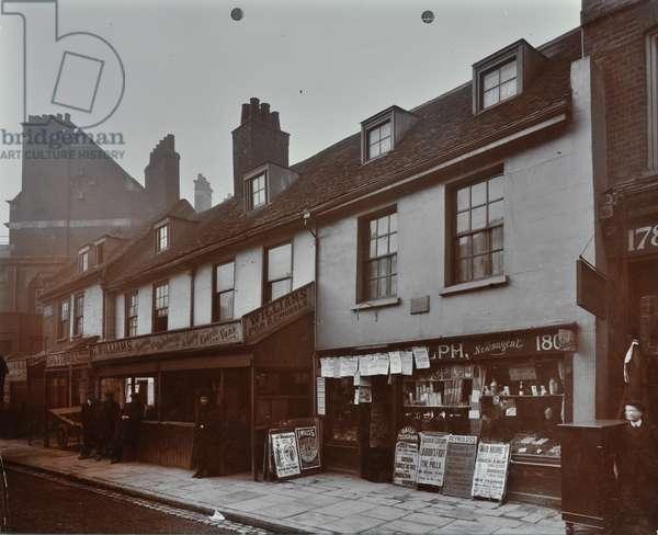 180 Meeting House Lane: meeting house, London, 1910 (b/w photo)