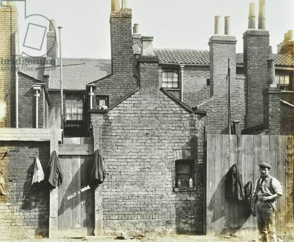 Rotherhithe Tunnel, 131 Albion Street: rear elevation, London, July 4, 1904 (b/w photo)