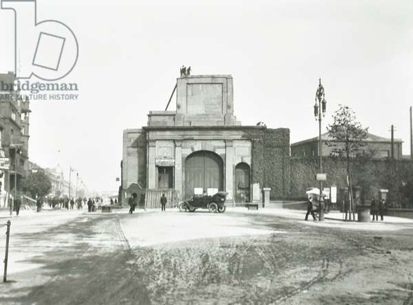 East India Dock: demolition of gateway, London, 1913 (b/w photo)