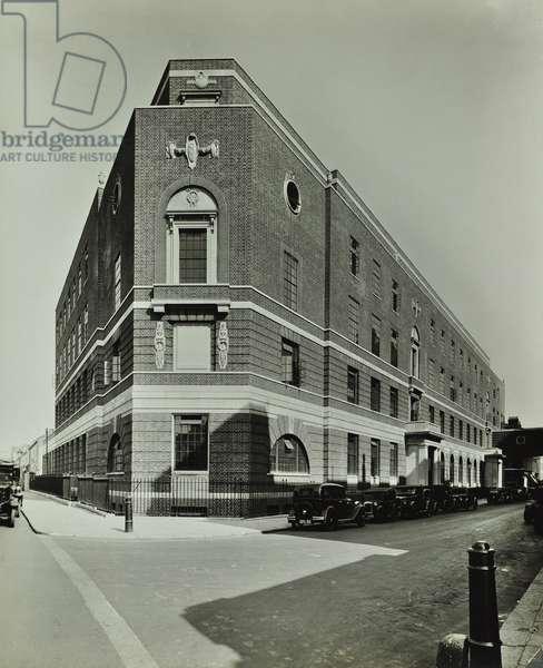 St Mary's Hospital, Paddington: exterior, 1947 (b/w photo)