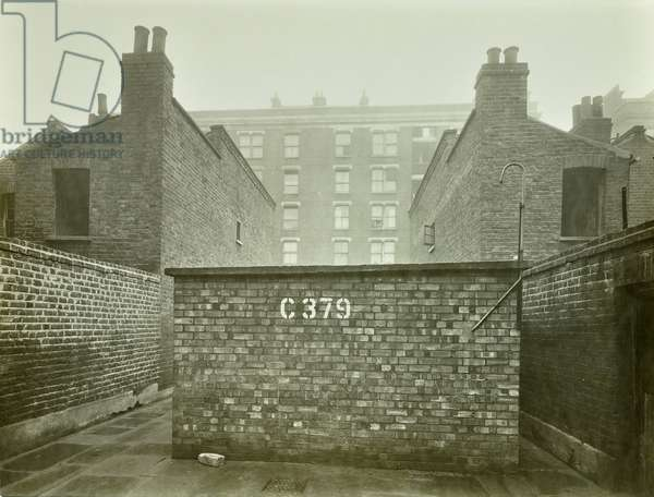 33-37 Russia Lane, Bethnal Green, 1944 (b/w photo)