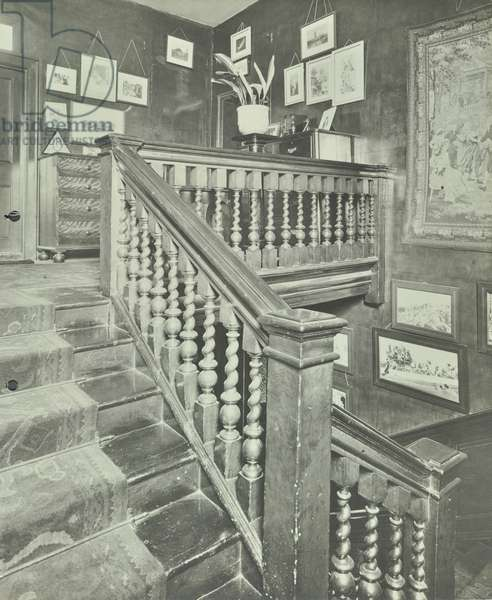 112 Battersea Church Road: staircase and landing, London, 1906 (b/w photo)