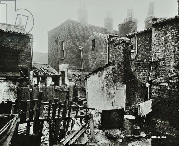 24-25 Brettell Street: rear elevations, 1908 (b/w photo)