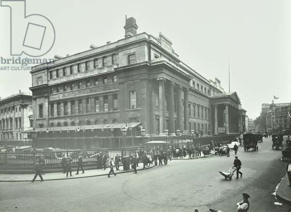 General Post Office, Saint Martin's-le-Grand, City of London, 1911 (b/w photo)