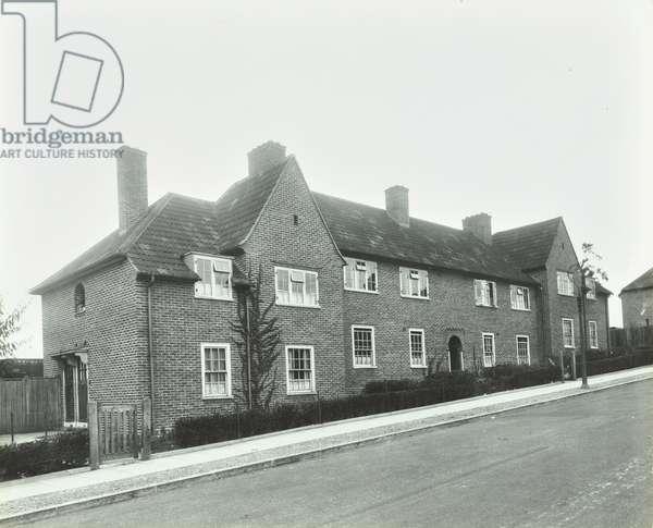 Saint Helier Estate: Exterior of Glastonbury Road, London, 1934 (b/w photo)