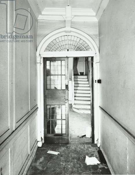 32 Furnival Street, entrance hall, City of London, 1978 (b/w photo)