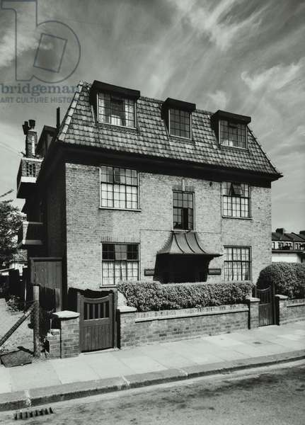 Ethelburga Street: Myddelton House, London, 1957 (b/w photo)