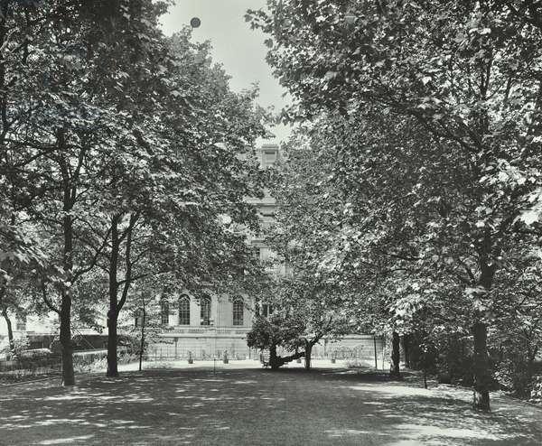 3-4 Whitehall Gardens, Westminster LB: garden elevation, 1912 (b/w photo)