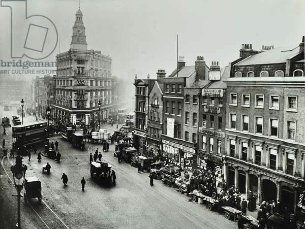 Commercial Road: view from Whitechapel Market, 1909 (b/w photo)