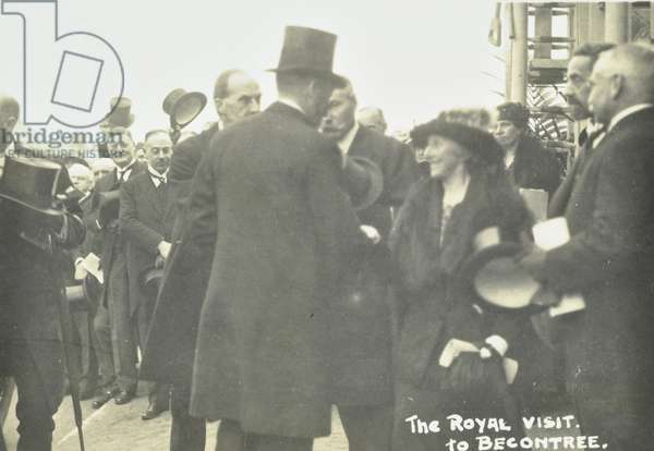 Becontree Estate: King George VI and Queen Mary visit Becontree Estate, 1923 (b/w photo)