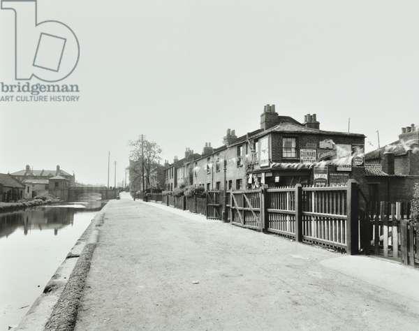 Surrey Canal: Deckham branch at Boathouse Walk, 1937 (b/w photo)