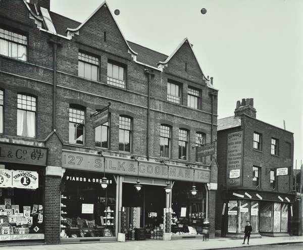 127-133 Wandsworth High Street: shop fronts, 1913 (b/w photo)