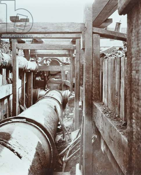 Westminster and Wandsworth Line: construction of an electrified tramway in progress, 1906 (b/w photo)