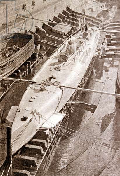 The Narval, first French submarine, 1899.