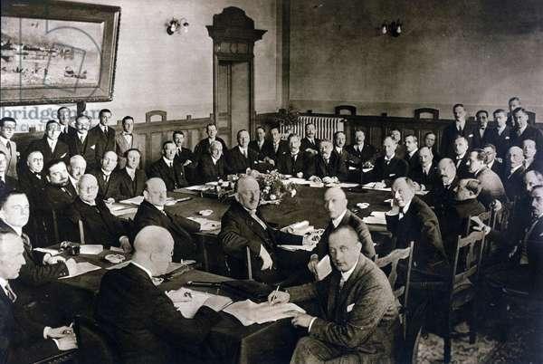 Locarno agreements in Switzerland signed between Aristide Briand, Chamberlain, Benito Mussolini, Stresemann and Vandervelde, recognizing the borders in Europe. 5-16 October 1925.Conference conferenza di Locarno. ottobre 1925.
