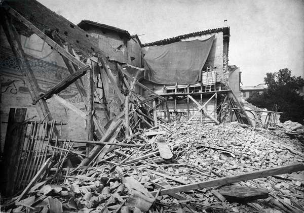 Second World War: Bombardment of Milan in 1943. The Church of Santa Maria delle Grazie after the Bombardements. The cene of Leonardo da Vinci preserved in the refectory will not be destroyed.