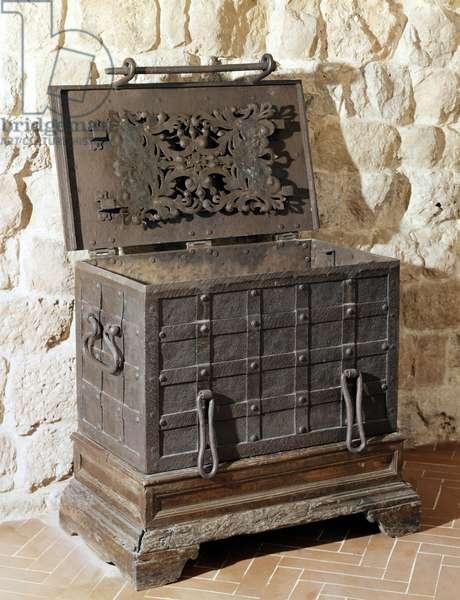 A 16th century safe.