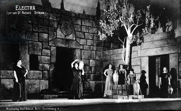 """First performance of """"Electra"""" by Richard Strauss in 1909."""