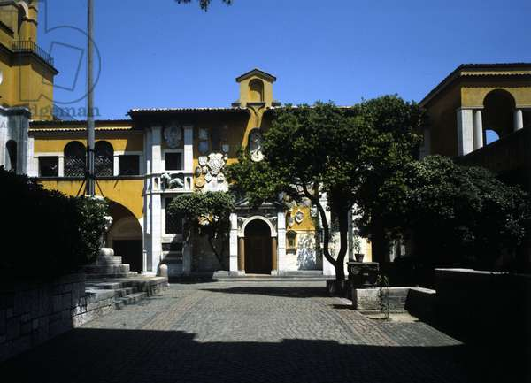 Gardone Riviera, Il Vittoriale, Piazzetta Dalmata, Gabriele House of Annunzio.